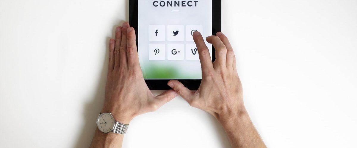 Communication sur les réseaux sociaux pendant le confinement